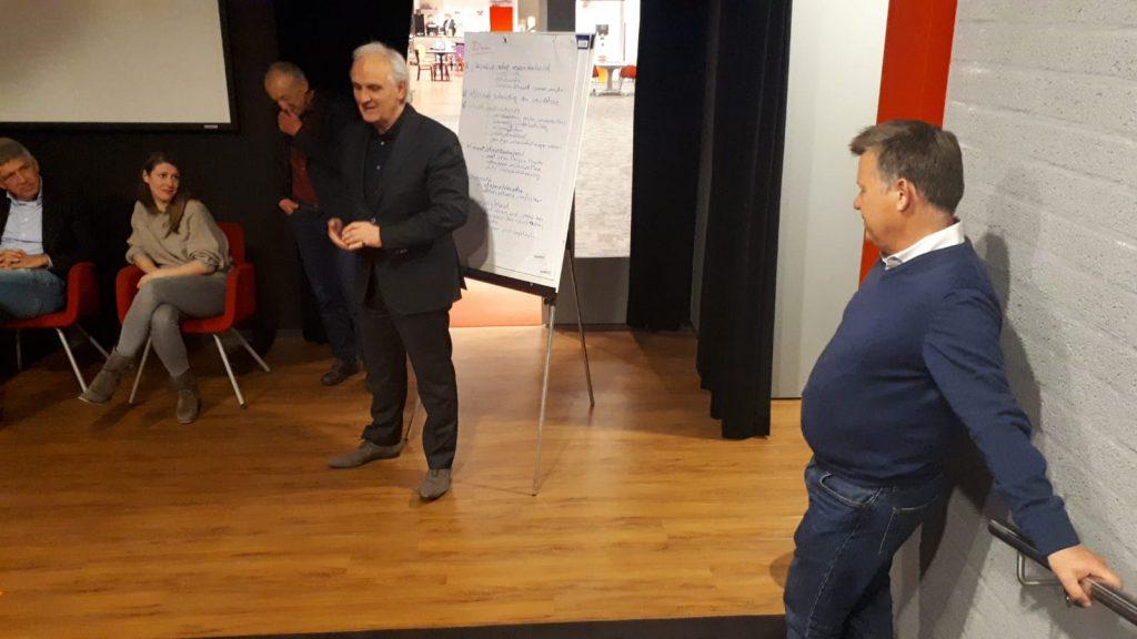 PvdA-lid Theo Huibers ontvangt een lintje